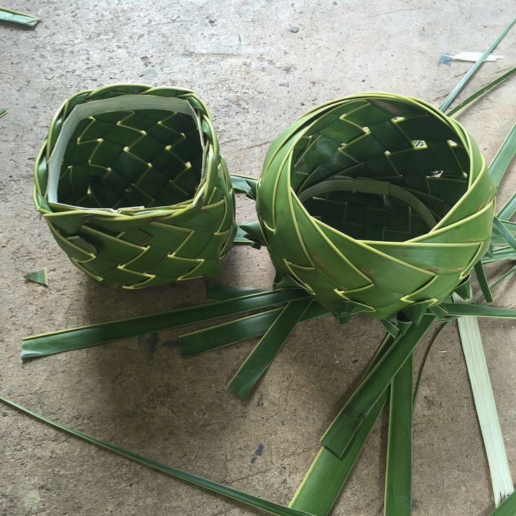 palm leaf weaving instructions